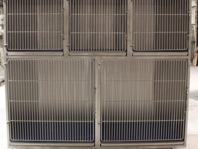 TriStar Vet cage photo: Here's another option for setting up our stackable stainless steel cages