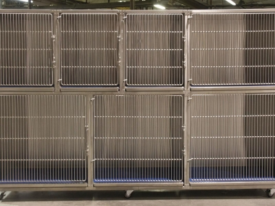 TriStar Vet cage photo: Combine our stackable stainless steel cages for small and large patients