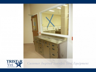 TriStar Vet treatment equipment photo: Combine doors and drawers your way in stainless steel cabinets