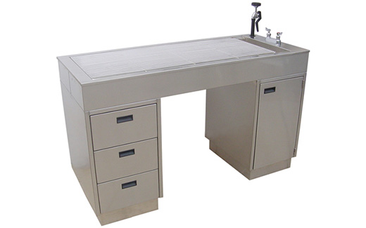 Tristar Vet Water Flo Veterinary Table Is Practically Self